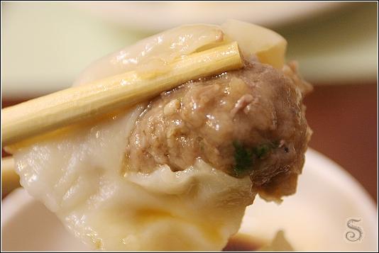 牛肉水餃,味道很濃厚