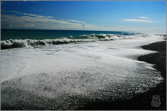 我覺得這一章FU不錯,浪退後的白泡沫很漂亮