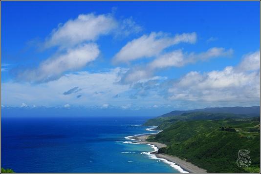 這邊可清楚看到漂亮的東岸海岸線,感覺沒有任何汙染也沒任何人煙
