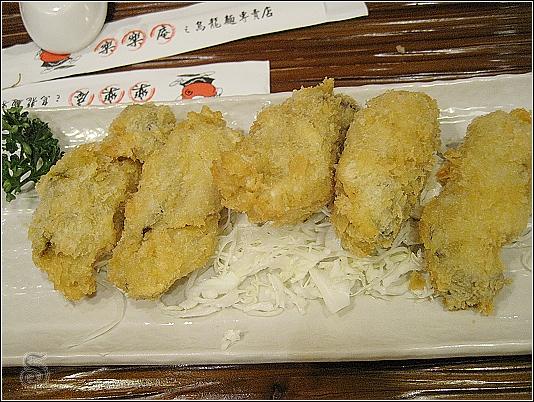 原本不太敢吃牡蠣,但看在炸的份上,拼了!