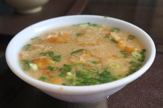 味噌湯,一碗十五元,很大一碗