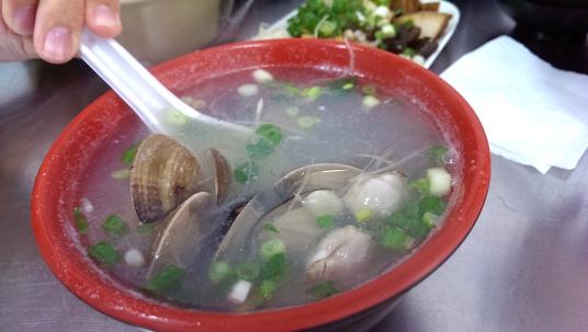 蛤蜊湯,米酒蓋掉其他味道了