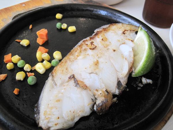鱈魚排,這個鱈魚排有魚腥味QQ