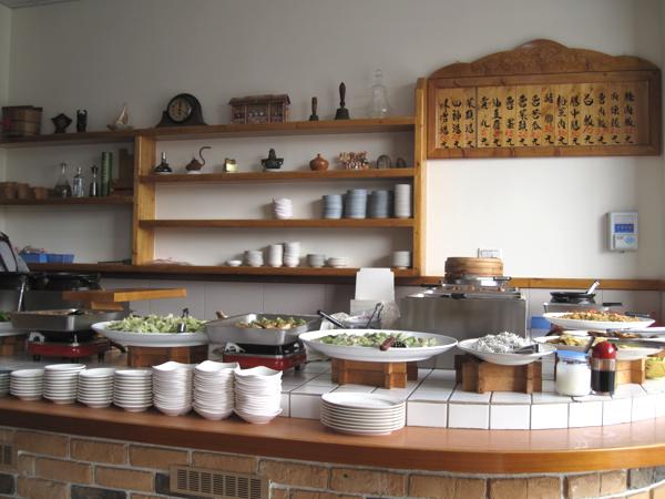 點餐的地方,餐點都像是清粥小菜一般,一碟一碟點
