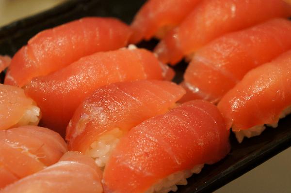 這應該是鮪魚握壽司連發了....