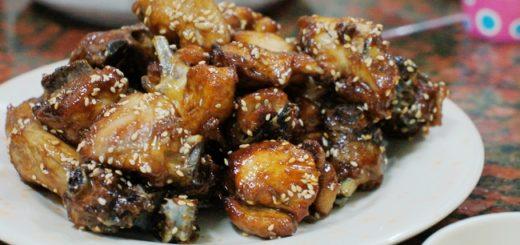 蜜汁雞,頗香,熱熱的吃還不錯,但冷掉後反而變得乾乾硬硬的....
