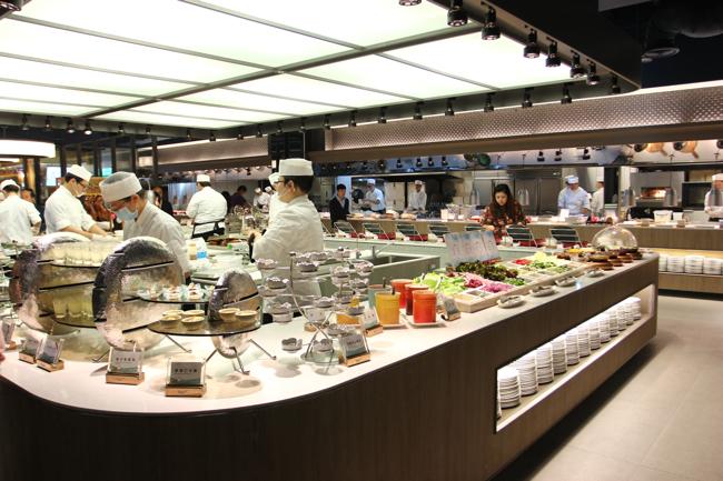 這區域有港式、義大利料理、素食等