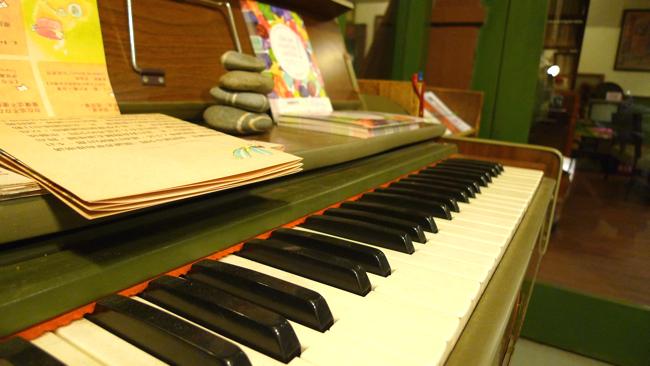 舊舊的電子琴