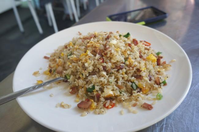 臘腸炒飯,簡簡單單的炒飯,不油膩,份量倒是不多