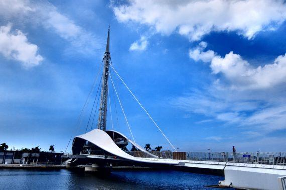 [高雄景點]棧貳庫-大港橋-全台首座水平旋轉橋